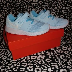 NIB Nike star runners